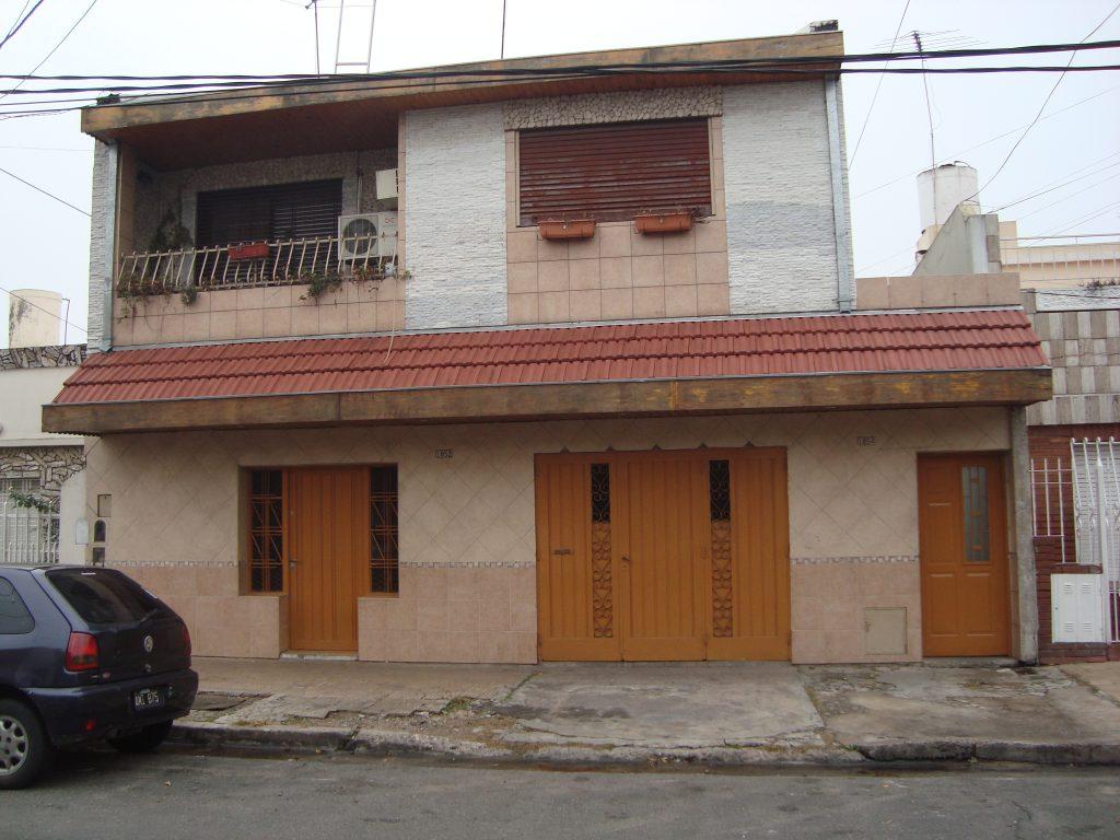 PH de 3 AMB al Frente, Ramos Mejía.